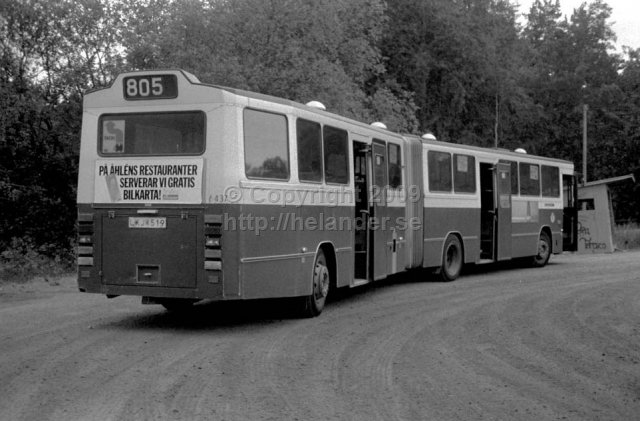 SL bus nr 6437 at the turnaround at Tyresö slott, Stockholm. (1987)